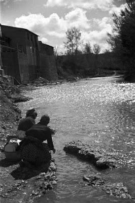 Resultado de imagen de tabla acanalada para lavar en el rio