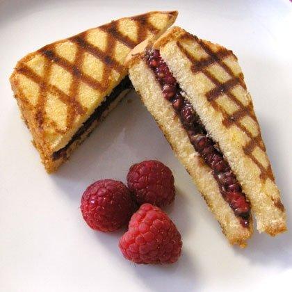 Grilled Pound Cake Sandwiches with Chocolate-Hazelnut Spread