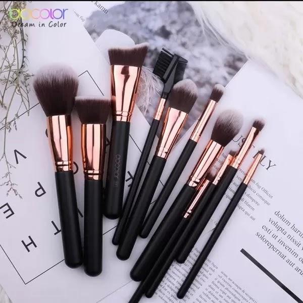 https://edhacosmetics.es/shop/herramientas-de-maquillaje/set-de-18-brochas-maquillaje/