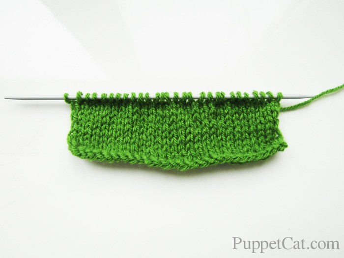 Как связать спицами свитер и шапку для Кена