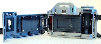 Olympus IS-30 DLX (Olympus 28-110mm 1:4.5~3.6) Bridge Camera #264
