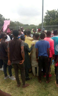 Nigerian students protesting school reopening