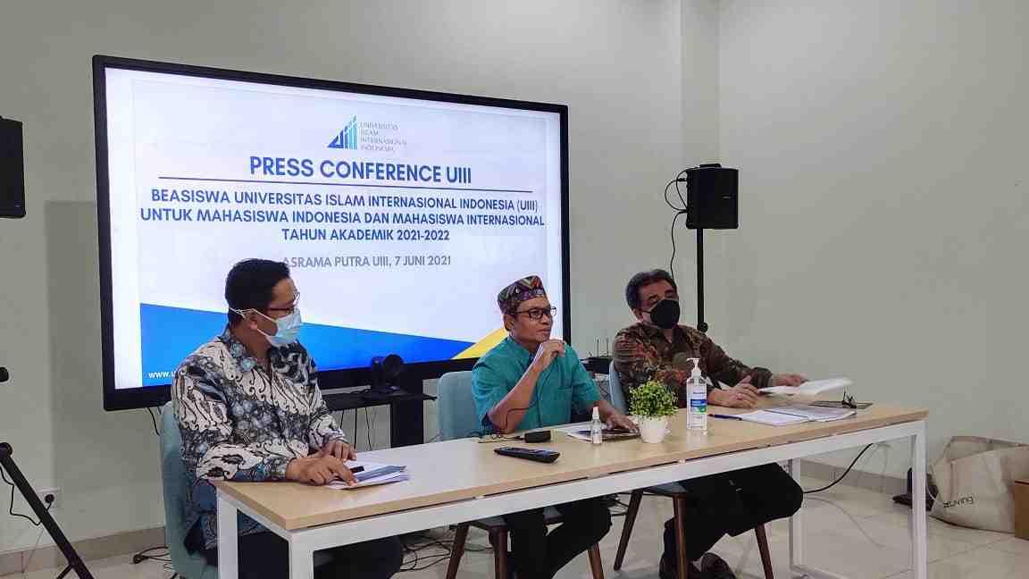 Program Beasiswa-UIII-Resmi-Dibuka-untuk-Mahasiswa-Indonesia-dan-Internasional