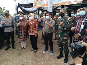 Bupati Masnah Tinjau langsung jalannya PSU di Kelurahan Pijoan Jaluko