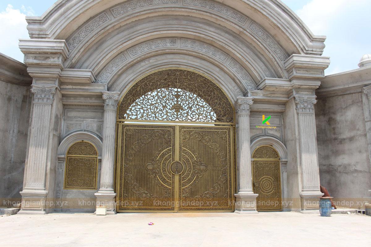 Mẫu cổng nhôm đúc đẹp ấn tượng tại Long An
