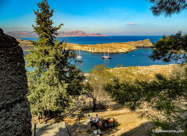 A enseada de Lindos vista da Fortaleza dos Cruzados, na Ilha de Rodes
