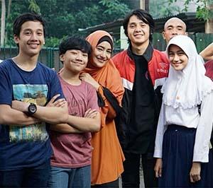 Arbani Yasiz bersama Para Pemain Top