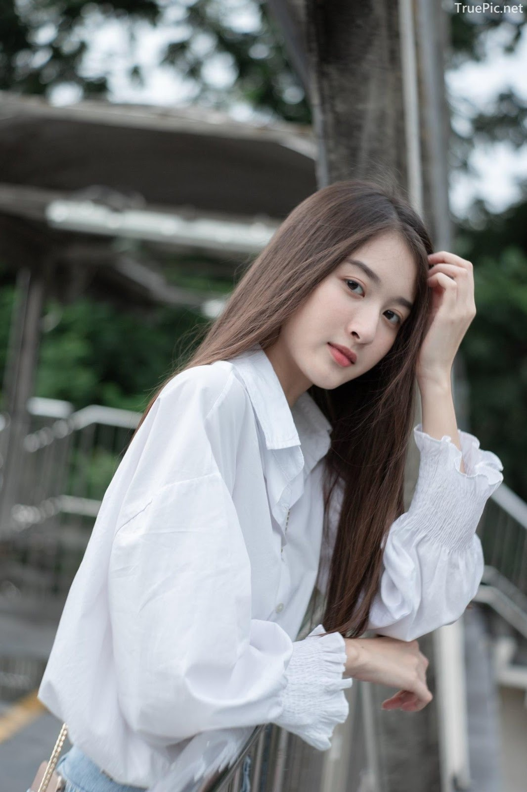 Thailand beaufiful model - View Benyapa - Young charming girl with long hair - Picture 5