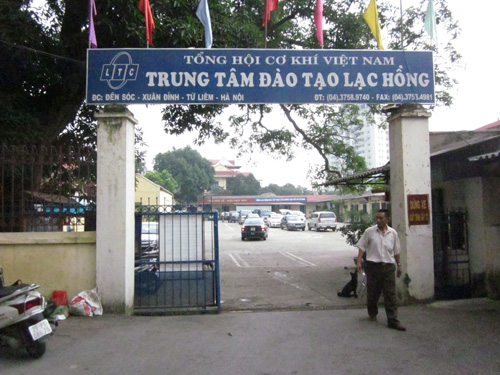 Trung tâm đào tạo lái xe B1, B2, C Lạc Hồng