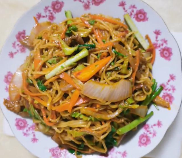 Chicken Chow Mein Dish