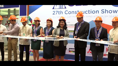 Guest Speakers and Guest of Honors during Cebu Construction Show 2019 wearing handcrafted blue leis in Cebu City Philippines