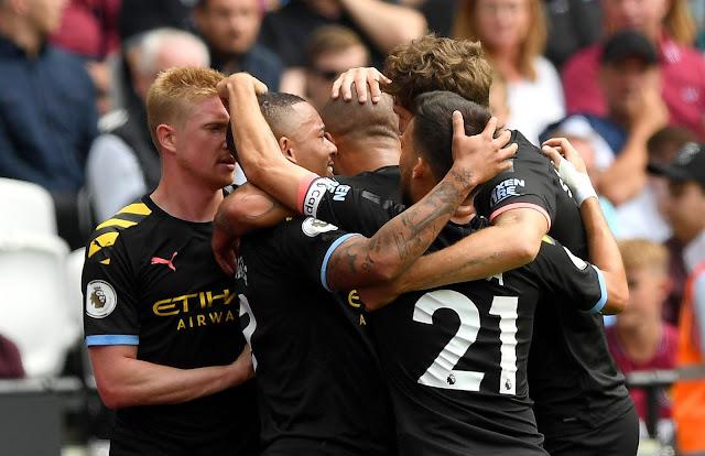 Manchester city players celebrate a goal - Kevin De bruyne, Jesus, silva