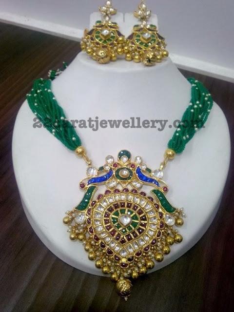 Emerald Beads Set Kundan Pendant