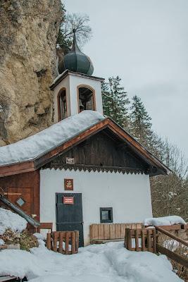 Nachtrodeln und Winterwandern in Saalfelden-Leogang  im Salzburgerland  Winterwanderung zur Einsiedelei  Nachtrodeln am Biberg 11