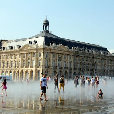 The Water Mirror (Miroir d'Eau) in front of Place de la Bourse.