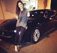 Sunny-Leone-Car-Maserati-Quattroporte