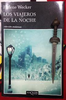 Portada del libro Los viajeros de la noche, de Helene Wecker
