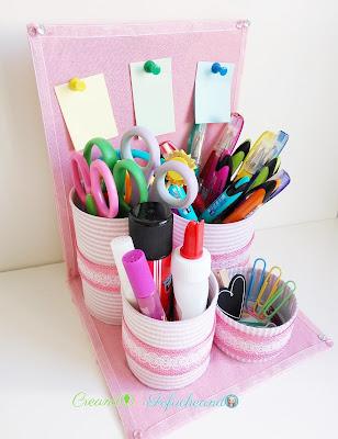 Como-hacer-un-organizador-de-escritorio-reciclado-con-latas-cartón-y-retales-de-tela-creandoyfofucheando