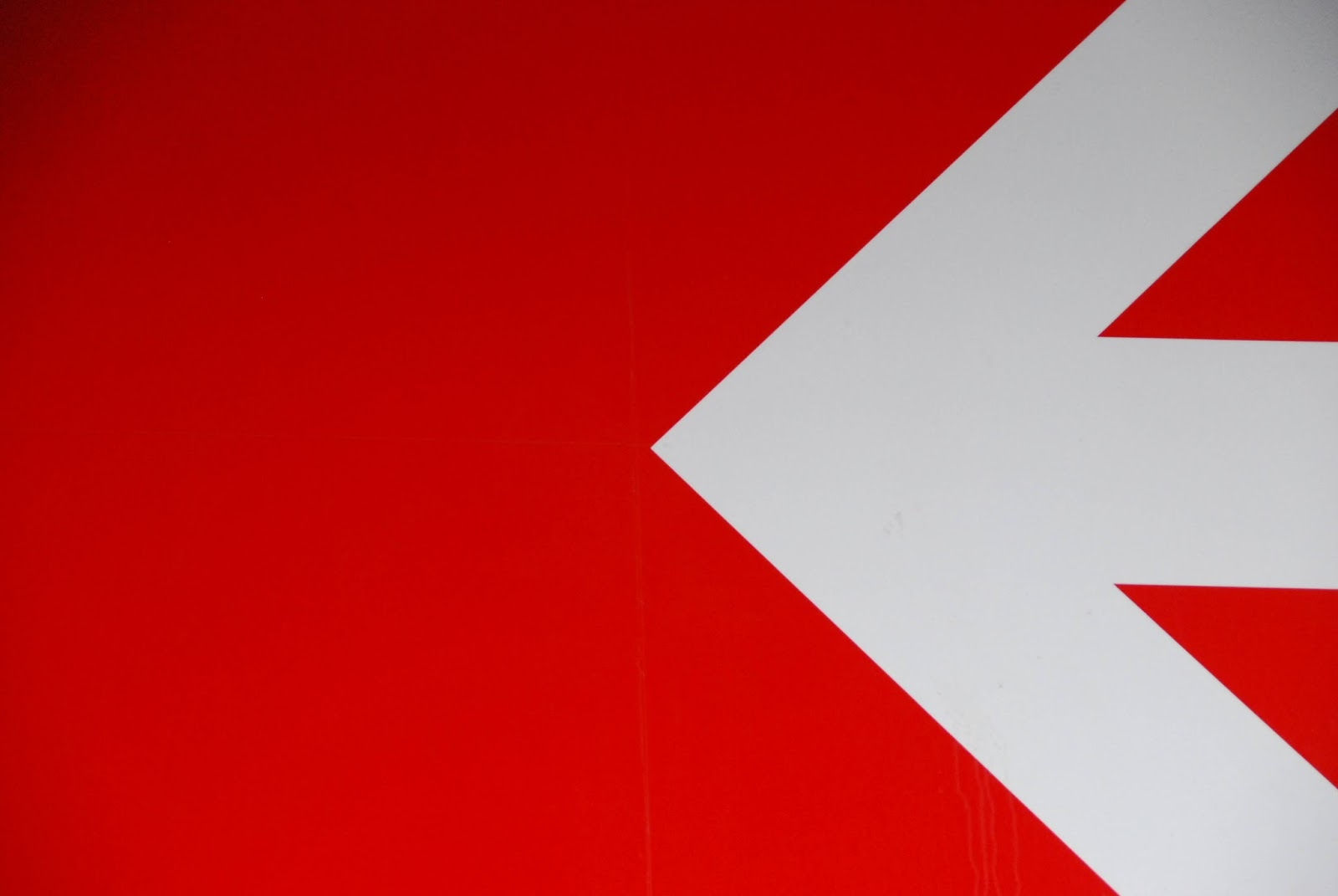 Red and White Wallpapers