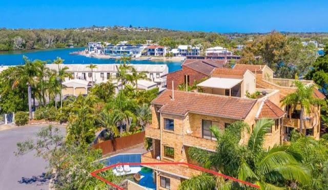 experience best of Noosa Australia tourist destination property rentals