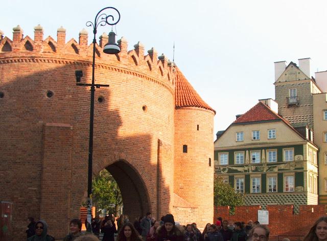 Warszawa, Barbakan, zabytek