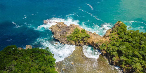 Tempat Wisata Pantai Jonggring Saloka