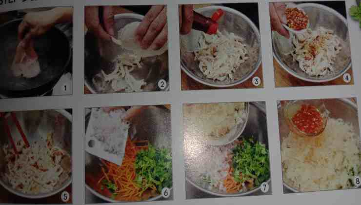 1. Put the chicken breast into boiling water to cook for 25 Minutes on low heat, drained, shredded with hand add the marinate with condiments. (Pic 1-5)  2. Put the ingredients B into the big mixing bowl, add in seasoning and mix well, put in serving plate and top with shredded chicken, done. (pic 6-9)