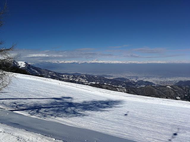 Panorama dal Monte Pigna verso la Gardiola e la Val Ellero lurisia sci piste