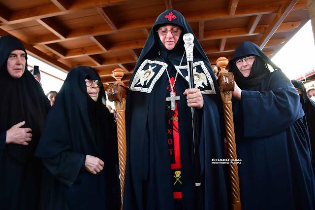 Ενθρόνιση από τον Μητροπολίτη Αργολίδας της Νέας Ηγουμένης στην Ι.Μ. Αγίας Μαρίνας Άργους (βίντεο)