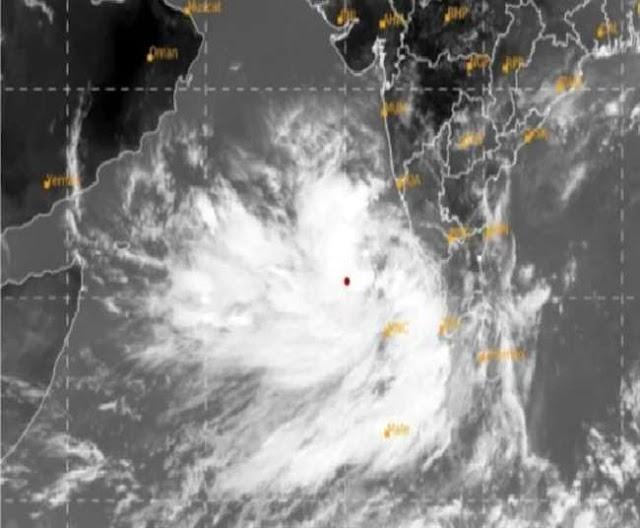 Cyclone Tauktae जानिए, कब भारतीय तटों से टकराएगा चक्रवाती तूफान, इन पांच राज्यों में है भारी नुकसान का अंदेशा