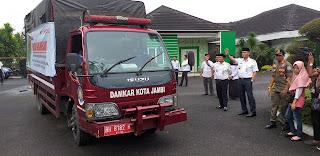 Walikota Jambi Melepas Bantuan Kemanusiaan Peduli Korban Kebakaran Di Tanjab Timur.