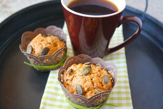 Muffins mit Äpfeln und Möhren