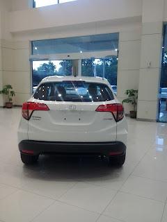 Honda Sumur Batu HRV warna Putih