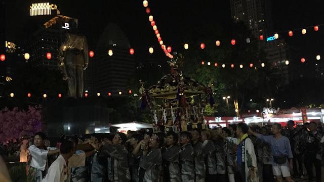 Arak-Arakan Pagoda sampai Malam