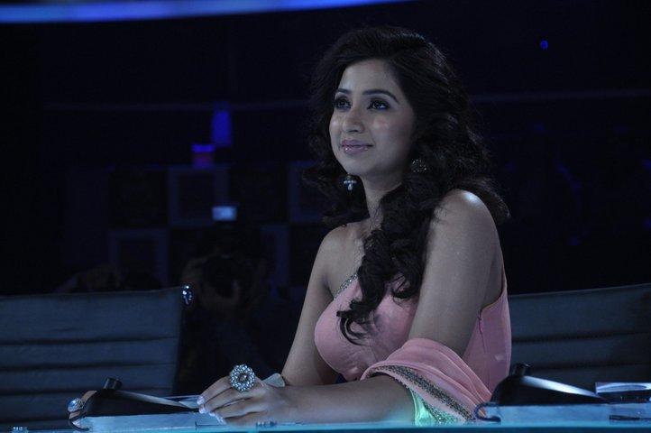 Shreya Ghoshal Sexy Photo