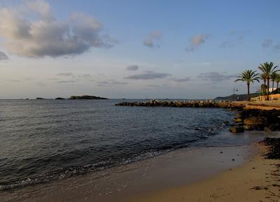 Playa urbana de Figueretas en Ibiza