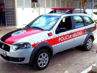 Polícia encontra droga escondida entre galinhas e cavalos, na Paraíba