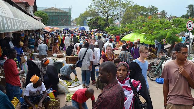 Hali Ilivyokuwa Katika Marikiti Kuu ya Darajani Maandalizi ya Sikukuu ya Eid Mubaraak Zanzibar.