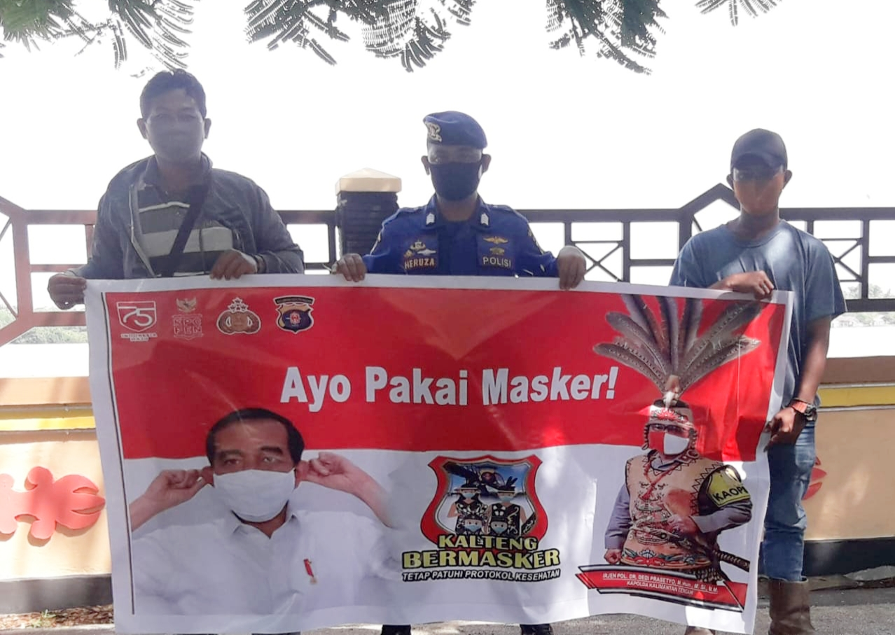 Gencarkan Wajib Masker, Ini yang Dilakukan Satpolairud Polres Pulang Pisau ke Warga Pesisir