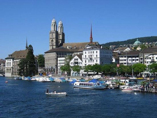 d1b6fe0841bc Меня всегда удивляло, почему швейцарский франк, денежная единица Швейцарии,  имеет такую странную аббревиатуру - CHF, а интернет-домен страны .ch