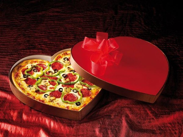 افكار لعمل عشاء رومانسي في عيد الحب