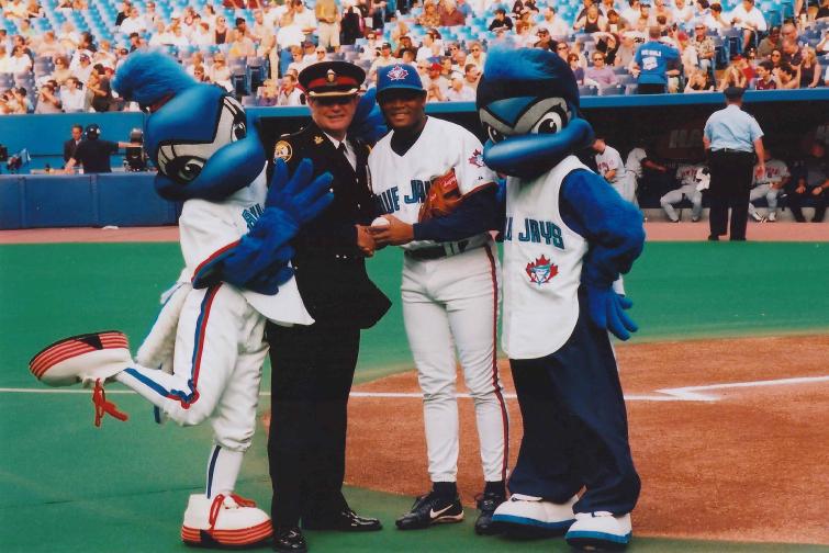 Flashback Friday: Diamond the Mascot | Blue Jay Hunter