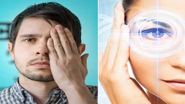 अगर आपके शरीर की मांसपेशियां पर्याप्त मूवमेंट में काम नहीं करती हैं, तो इसके पीछे के कई कारण हो सकते हैं। दरअसल विज्ञान की दृष्टि में इंसान की मांसपेशियां कमजोर होने के पीछे उसकी हेल्थ को अनफिट रखने से होता है। आपके शरीर की कई अन्य मांसपेशियों की तरह ही आपकी आंखों की मांसपेशियां भी कमजोर होने लगती है, अगर आप अपने शरीर को मांसपेशियों को फिट रखना चाहते हैं तो उसके लिए व्यायाम इसका रामबाण इलाज है। जी हां, व्यायाम ही वो एकमात्र विकल्प है जो आपको स्वस्थ्य रखने में सहायता करता है। वैसे तो आप अपनी आंखों की रोशनी को बढ़ाने के लिए बहुत से तरीके अपना सकते हैं. लेकिन आज हम जो आपको बताने जा रहे हैं, उन टिप्स को अपनाकर आप अपनी आंखों की सेहत और रोशनी दोनों ही बढ़ा सकते हैं। जानकार भी आपको यह टिप्स लेने की सलाह देंगे। चूंकि यह बेहतर तरीके से काम करने में सक्षम हैं।   1- आपको अपनी आंखों पर आवश्यकता से अधिक दबाव बनाने से बचना चाहिए. अपनी आंखों को कुछ मिनटों के लिए बंद करके आराम दें और हर 2-3 घंटे में एक बार इसे दोहराएं.  2- अगर आप चश्मा लगाते हैं, तो चश्मे के समय को कम करने की कोशिश करें. ऐसे में आप कोशिश करें कि आप सिर्फ काम के समय ही चश्मा पहनें.  3- जब आप बाहर टहलने के लिए जाएं, तो आप दूरी पर अधिक ध्यान केंद्रित करने की कोशिश करें.  4- अगर आपको आंखों में जलन की शिकायत रहती है, तो आप नियमित रूप से आईड्रॉप की जगह एलोवेरा जूस का उपयोग भी कर सकते हैं. हालांकि, इस प्राकृतिक उपचार को अपनाने से पहले अपने चिकित्सक से परामर्श अवश्य लें.  5- आंखों को हेल्दी बनाने के लिए भारतीय ट्राटक एक्सरसाइज करने का प्रयास करें. इससे आपकी आंखें और दिमाग केंद्रित रहता है. इसके लिए आप एक खुली जगह पर बैठकर एक छोटी स्थिर वस्तु के सामने बैठकर अपना सारा ध्यान उसी पर केंद्रित करने की कोशिश करें.  6- हर दिन जितना संभव हो गाजर के रस का सेवन करें. गाजर विटामिन ए से भरपूर होता है, जो आपके आंखों की रोशनी को हेल्दी बनाए रखने में मददगार होता है. इसके अवाला अगर आप चाहें तो गाजर के रस में एक या दो बूंद जैतून का तेल मिला सकते हैं.  7- सोने से कम से कम 2 घंटे पहले कंप्यूटर, टीवी या स्मार्टफोन की स्क्रीन को देखने से बचने की कोशिश करें.