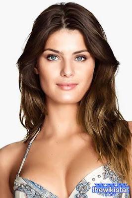 قصة حياة ايزابيلي فونتانا (Isabeli Fontana)، عارضة أزياء برازيلية، من مواليد 1983