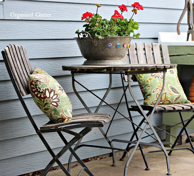 Decorating the Patio with Vintage Finds & Garage Sale Furniture www.organizedclutter.net