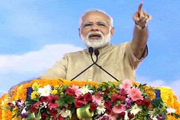 pm-narendra-modi-get-blessing-from-bholenath-vadnagar-varanasi