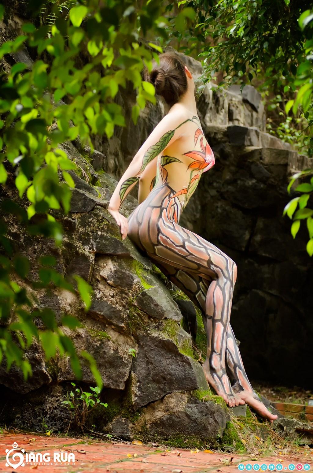 Bộ ảnh body art đầy gợi cảm của nhiếp ảnh gia Giang Rùa (17 ảnh)