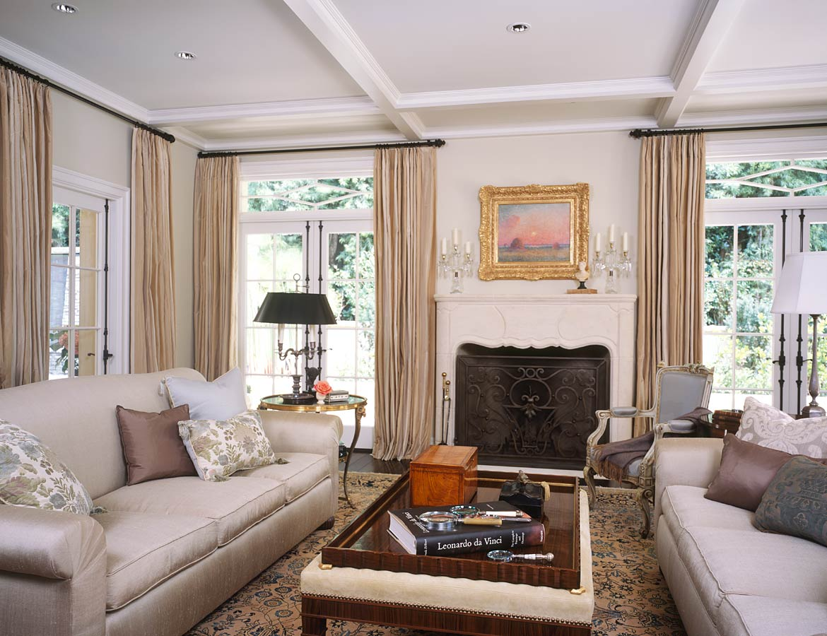 Cozy Living Room: LUSTER INTERIORS: A Woman's Touch