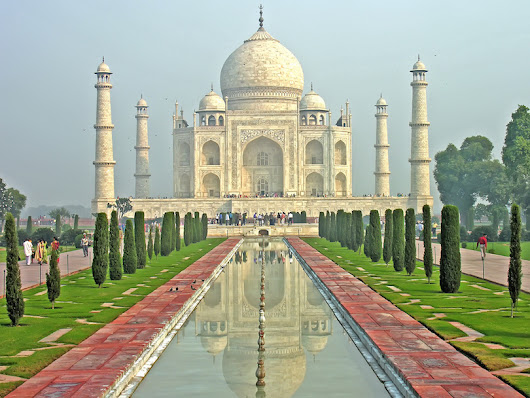 TOP TOURIST ATTRACTIONS IN INDIA