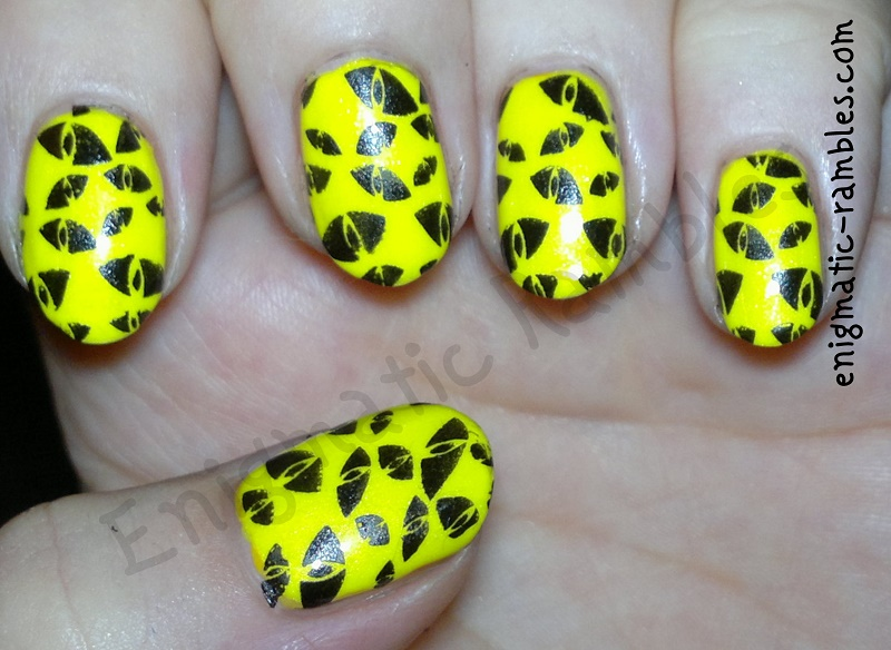glowy-glow-in-the-dark-creepy-halloween-stamped-stamping-nails-nail-art-bundle-monster-H08-BMH08